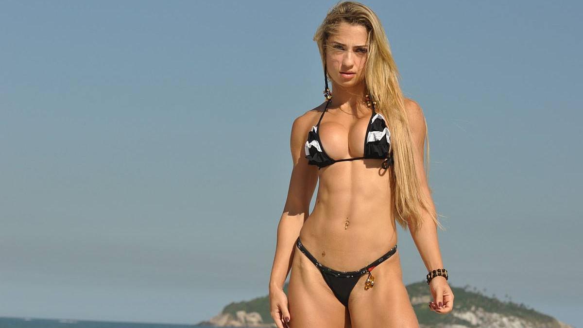 Atraktivna Brazilka uživa u bodybuildingu i dizanju utega