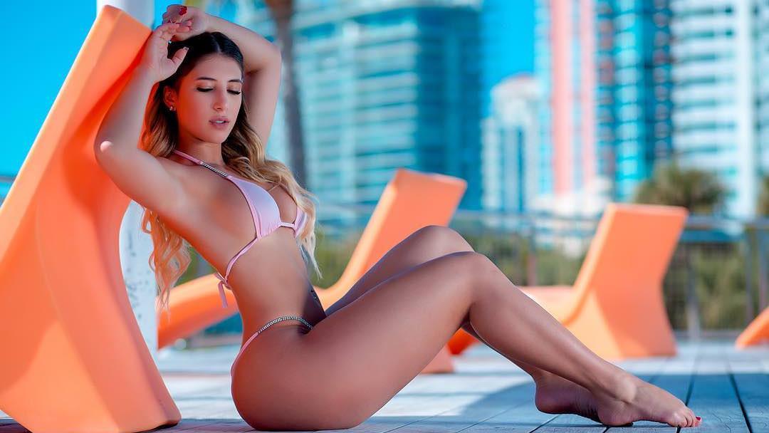 Atraktivna Isabella je model bikinija i kupaćih kostima zbog svog fenomenalnog tijela