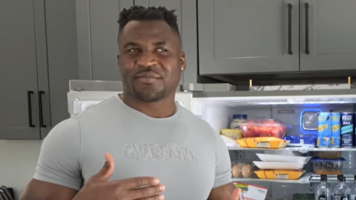 UFC šampion teške kategorije otvorio frižider i pokazao čime se hrani