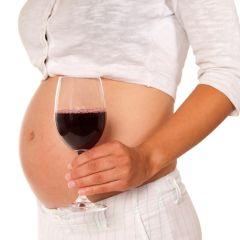 I najmanje količine alkohola štete trudnoći