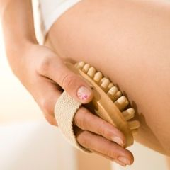Celulit: Kako da uradite sami anticelulit masažu?