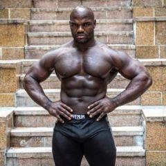 Šta se desi kada bodybuilder zna MMA?