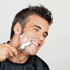 Brijanje i njega lica sa aknama