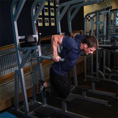Naučite razliku izmedju propadanja za prsa i tricepse