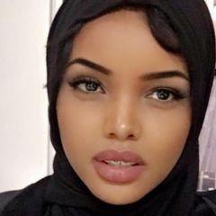 Prelijepa Halima Aden piše historiju modelinga