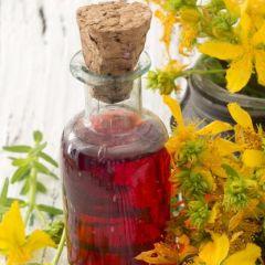 Kantarionovo ulje je pravi spas za kožu