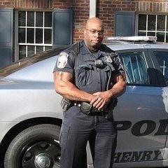 Policajac sa PRO bodybuilding kartom