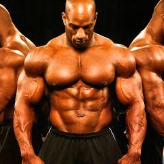 Trening ramena: Kako razviti impresivne deltoide
