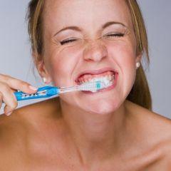 Većina ljudi na pogrešan način pere zube