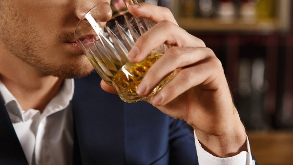 Muškarci su skloniji alkoholizmu, evo i zašto