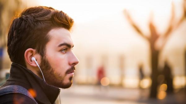 Kako slušalice vremenom mogu naštetiti vašem sluhu?