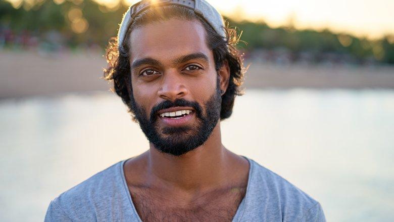 Devet promjena koje se događaju muškarcima nakon što puste bradu