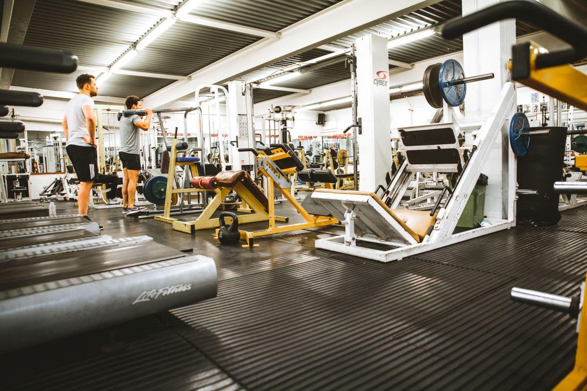Zbog čega je bolje vježbati u teretani nego kod kuće?
