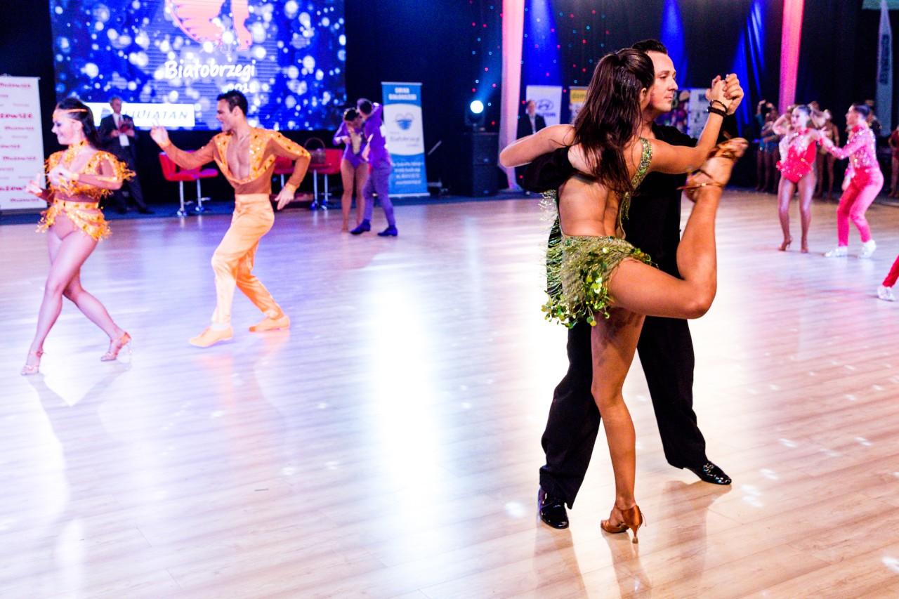 Ples na parovima za druženje na ledu 2013